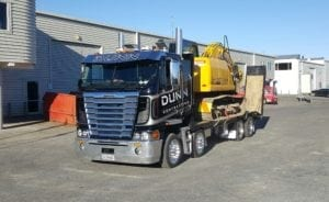 TRANSPORT TRAILER AND 8 WHEELER UP TO 15.5T