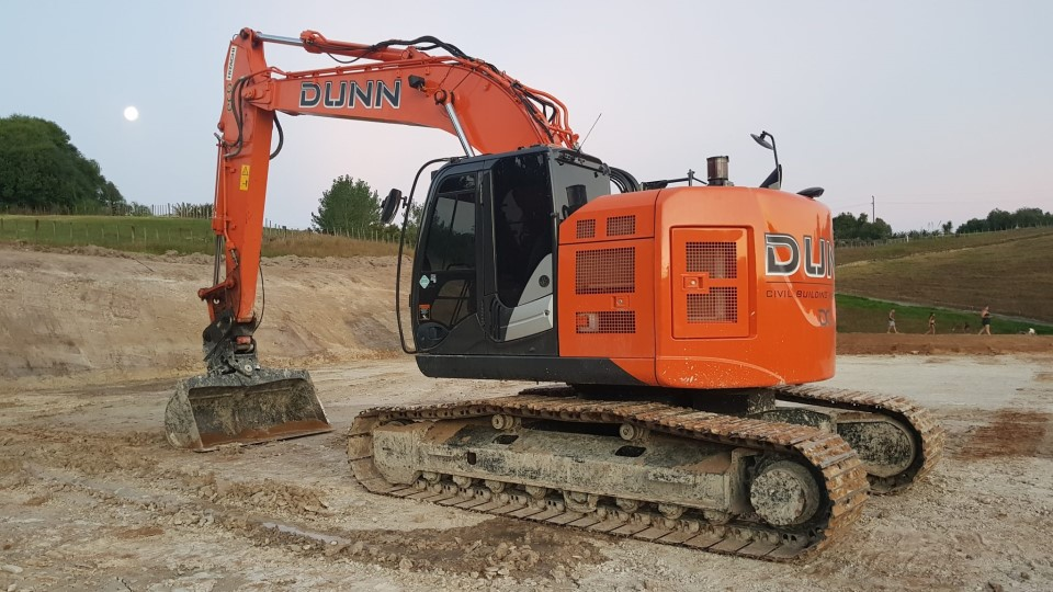 Machinery Hire: 20 Tonne Excavators